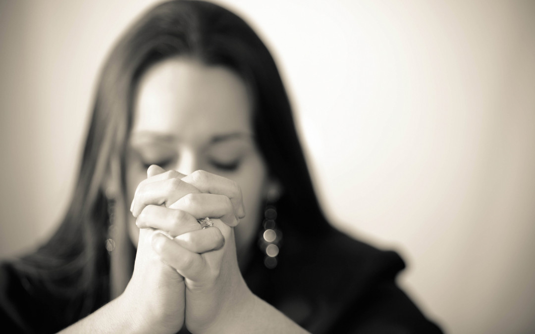 She Loves: The Power of Praying For Your Husband